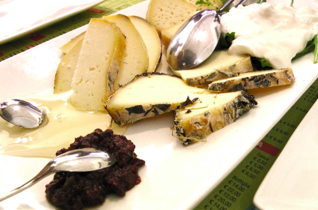 Käseplatte in der Emilia Romagna