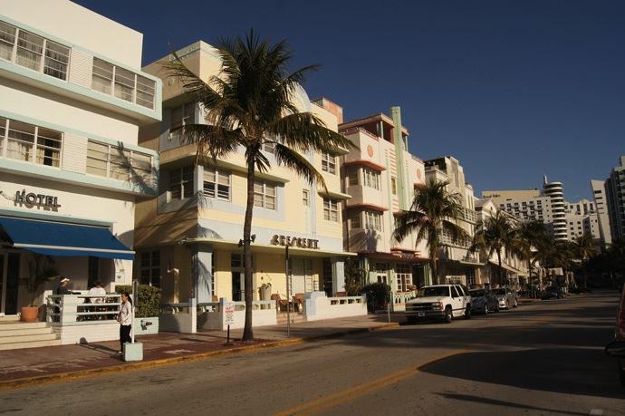 Art-Deco-Ocean-Drive