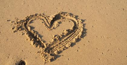 Herz-im-Sand