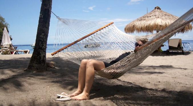 Hängematte-am-Strand-Karibik