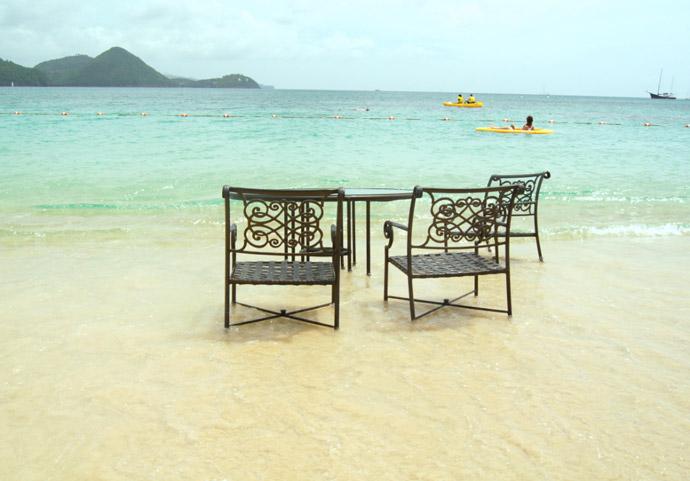 Stühle-im-Meer