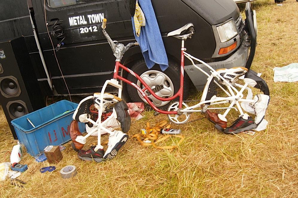 Fahrrad-aus-Schuhen