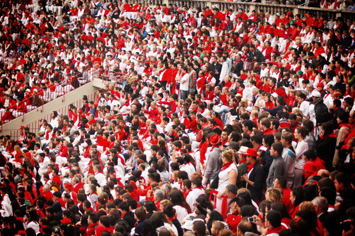 Running-of-the-bull-Pamplona