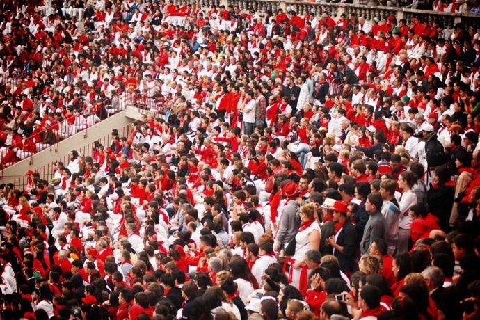 Running-of-the-bull-Pamplona