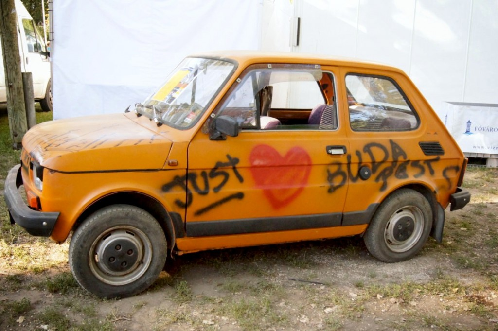 Love-Budapest-Auto