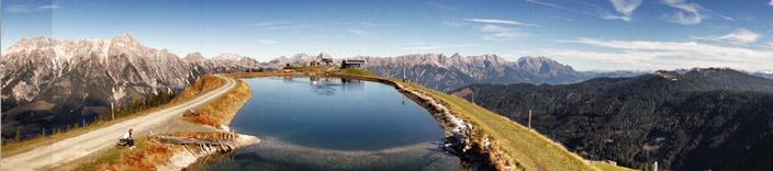 Panoramerblick-Bergsee