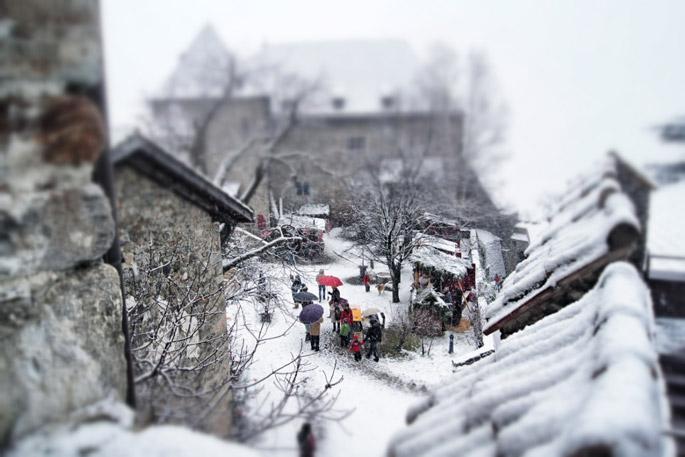 Weihnachtsmarkt-Dorf-Tirol