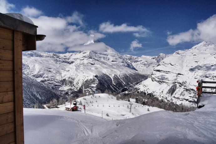 Zermatt-Schnee-Blue-Lounge
