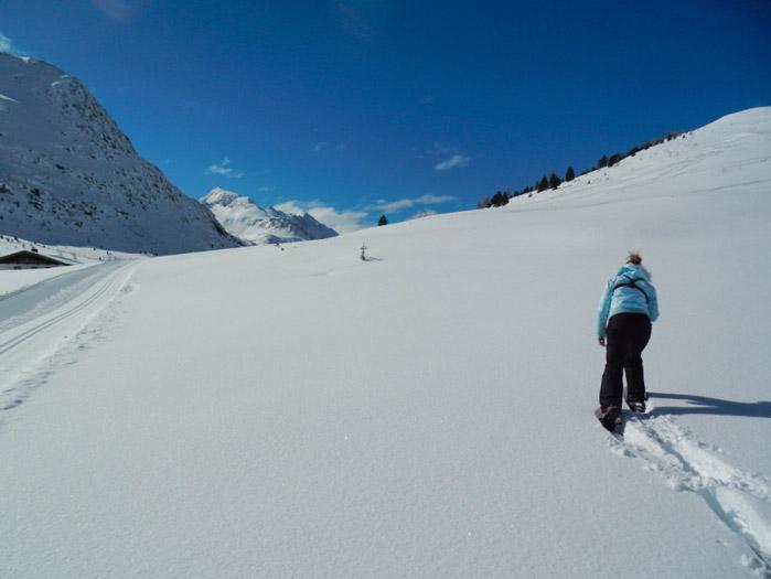 Christine-Neder-Schneeschuhwanderung-nikons800c