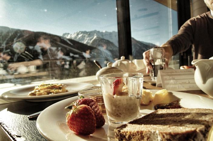 Frühstück-mit-Bergblick