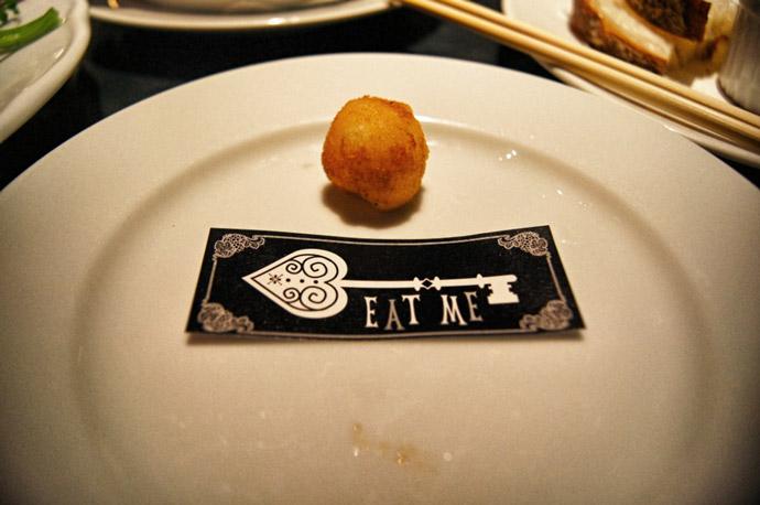 Alice-im-Wunderland-Restaurant-Tokio