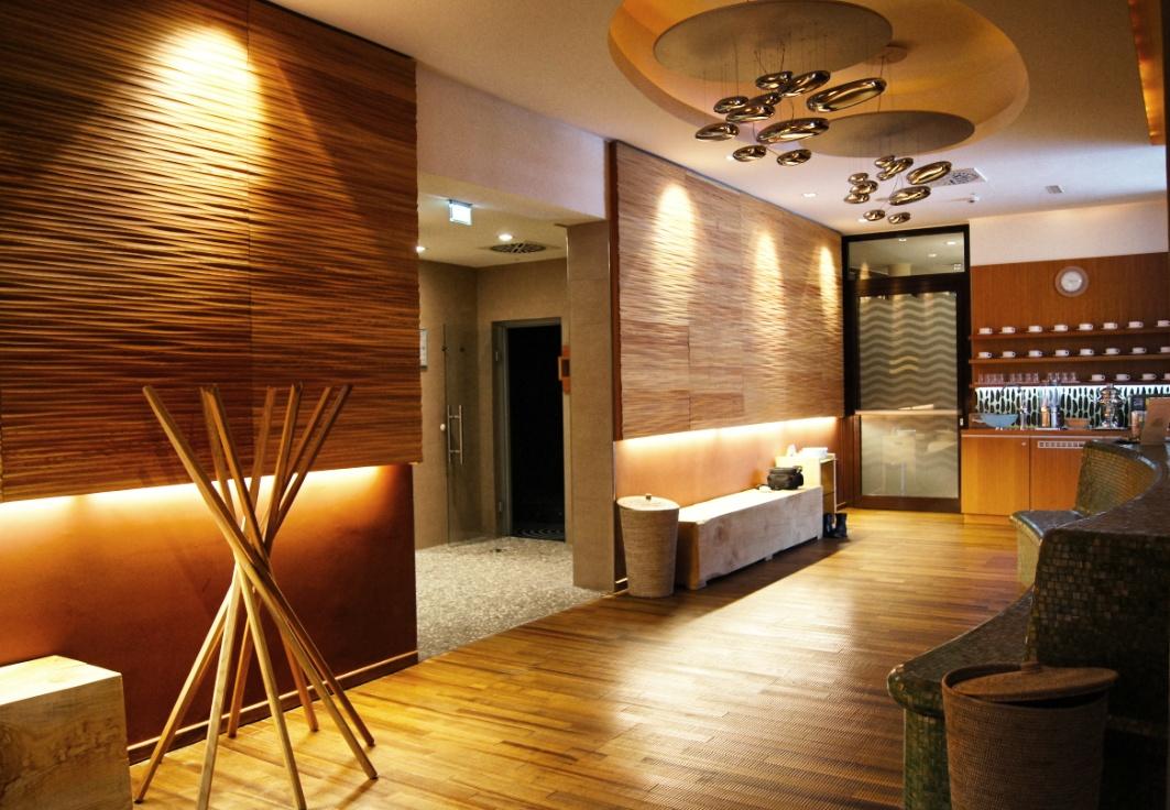 Wellnessbreich-Spa-Hotel-Zedern-klang