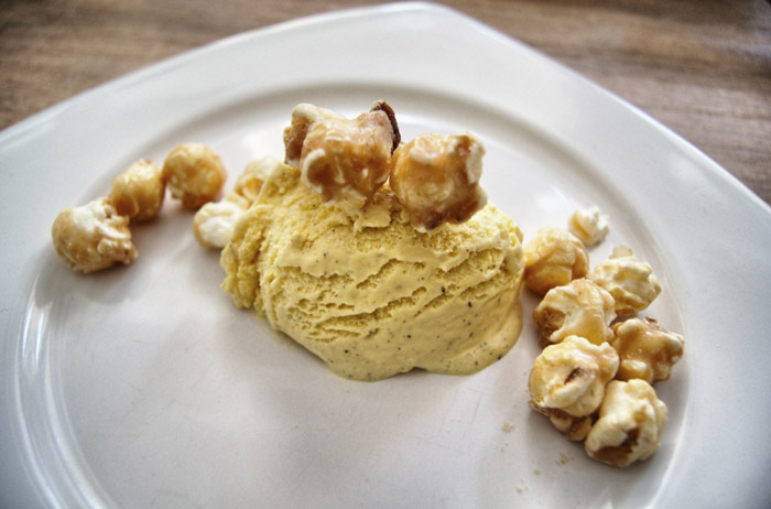 Eis-mit-Popcorn