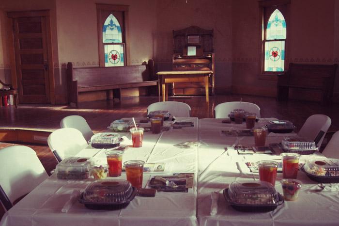 Essen-in-der-Kirche-Colorado
