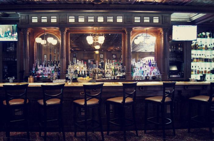 Stanley-Hotel-in Colorado-Bar