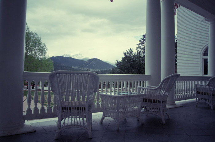 Stanley-Hotel-in Colorado-Veranda