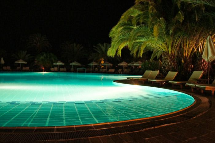 Pool-Nachts