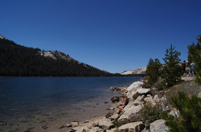 Yosemite-National-Park-Lake