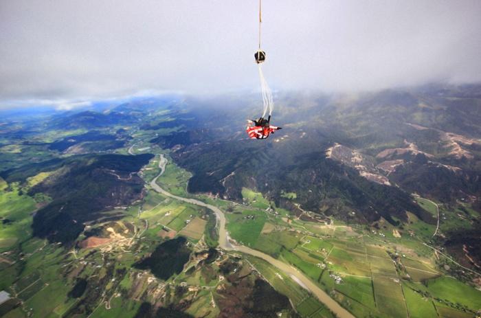 Fallschirmspringen-in Neuseeland-Able-Tasman-ski-dive