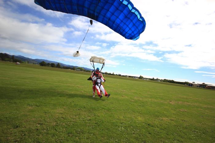 Landung-Fallschirmsprung