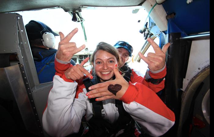 Love-skidiving