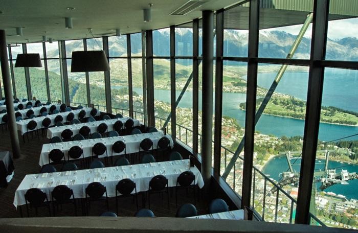 Restaurant-Skyline-Gondola