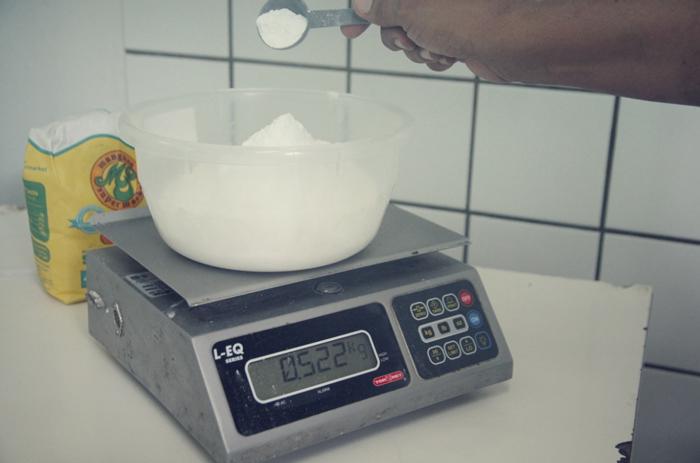 Mehl-abwiegen