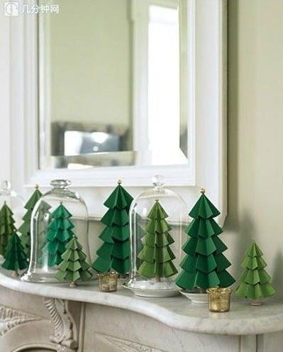 Unechter-Weihnachtsbaum-aus-Papier