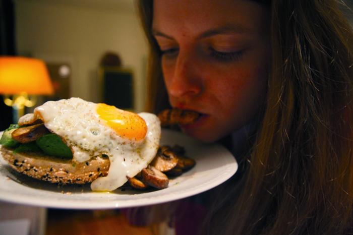 Christine-Neder-beim-Essen