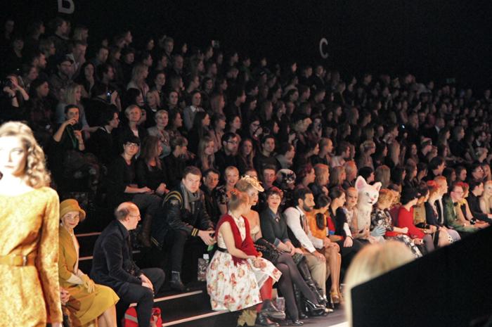 Front-Row-Lena-Hoschek
