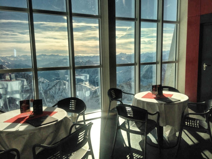 Skifahren auf der Zugspitze - Aussicht Restaurant
