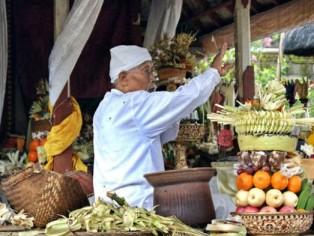 Bali-Tempel-Opfergaben