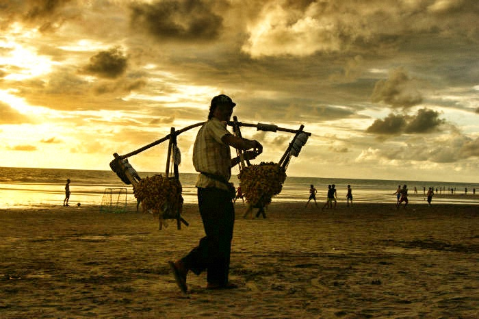 14 Tage Bali Urlaub - Strandabend in Seminyak
