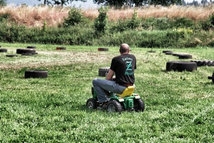 Rasenmäher Rennen.de