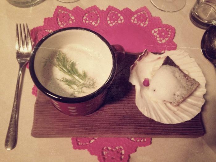 Suppe mit Lachs auf der Geislerhütte
