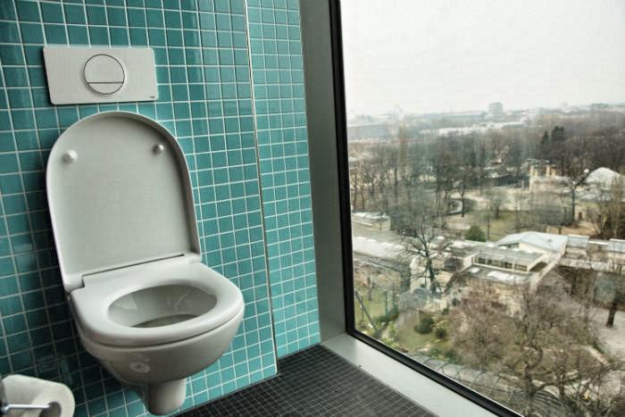 25 Hours Hotel in Berlin - Freilicht Klo