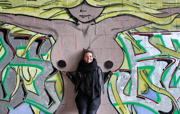 Anne Steinbach Busen Grafitti