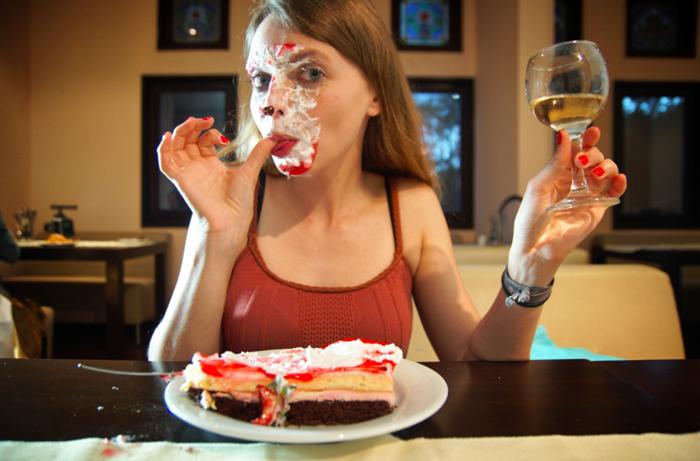 Christine-mit-Kuchen-im-Gesicht