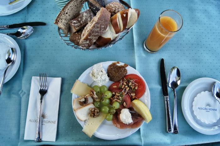 Frühstück in der Allgäu Sonne