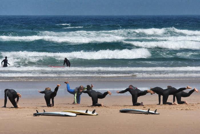 surfingthealgarvewarmingupbordeira