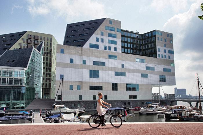 Fahrradfahren-in-Amsterdam