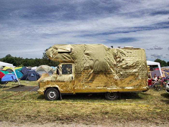 goldenes-Wohnmobil-Fusion