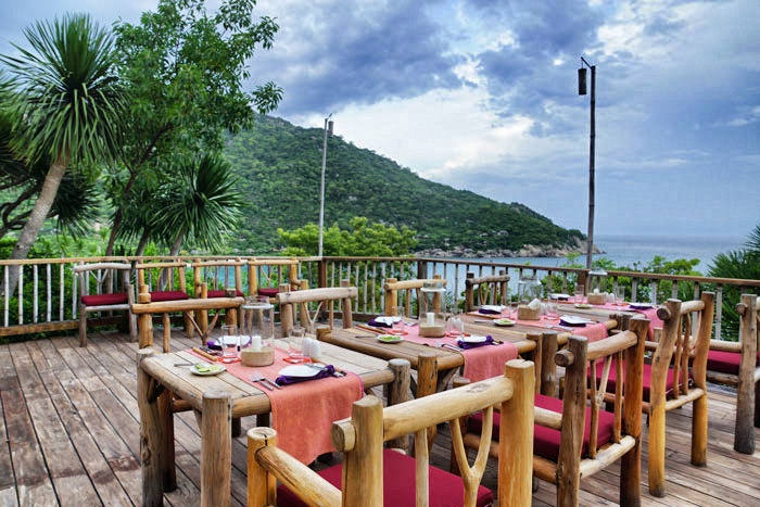 ninh-van-bay-diningontheroc