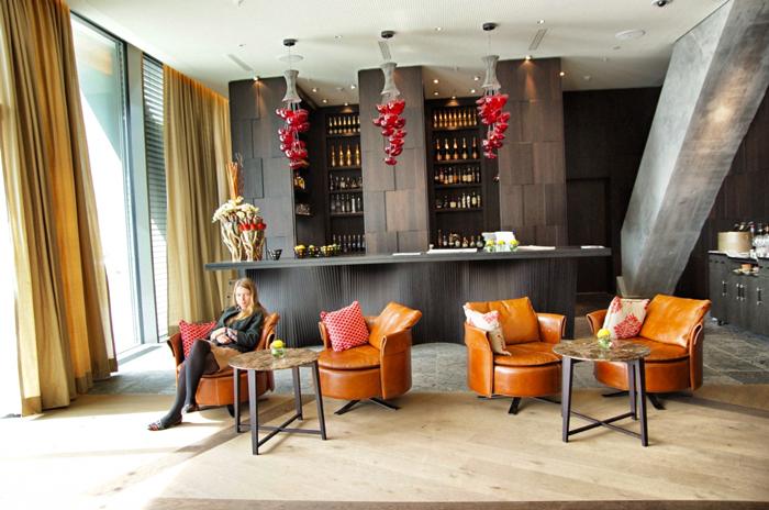 Christine-Neder-Intercontinental-Davos-Bar