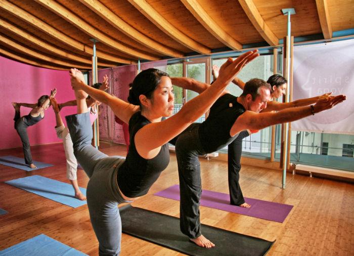 yoga wochenende in berlin. Black Bedroom Furniture Sets. Home Design Ideas