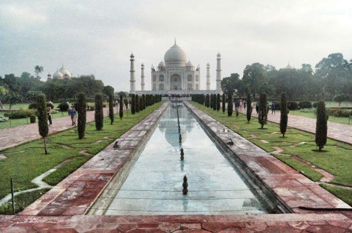 urlaub_in_indien_Taj Mahal mit See