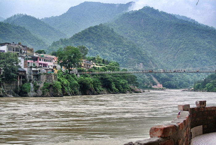 urlaub_in_indien_ganges-in-rishikesh