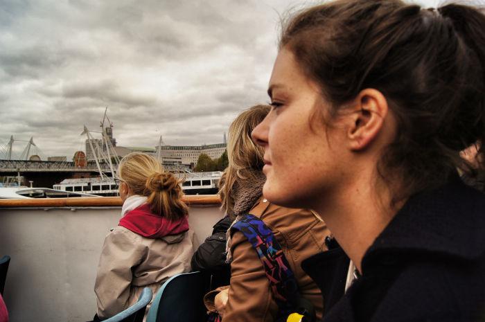 Anne auf dem Boot