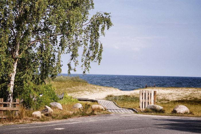 Mit einem Camper unterwegs_Strand