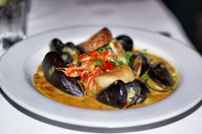 Muscheln-Red-Fish-Grill
